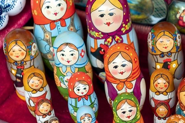 Poupées russes - Lumières de Russie (croisière de Moscou à Saint Petersbourg)