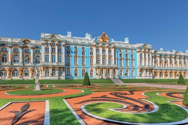 Monument - Circuit Merveilles de Russie Saint Petersbourg Russie