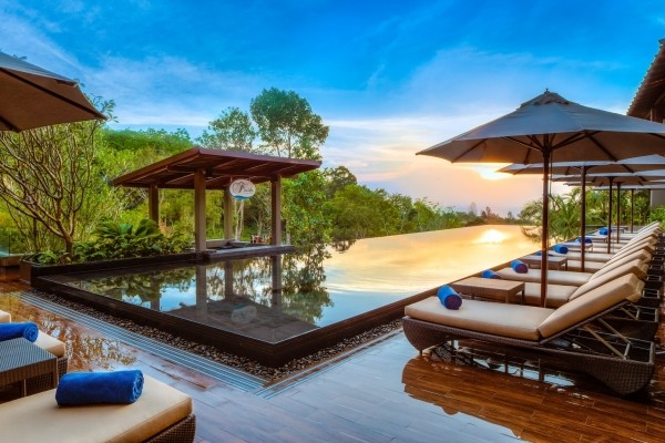 piscine - Trésors du Siam et Farniente à Phuket et au Avista Hideaway MGallery By Sofitel
