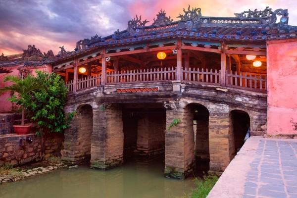 Monument - Circuit Le Grand Tour du Vietnam Hanoi Vietnam