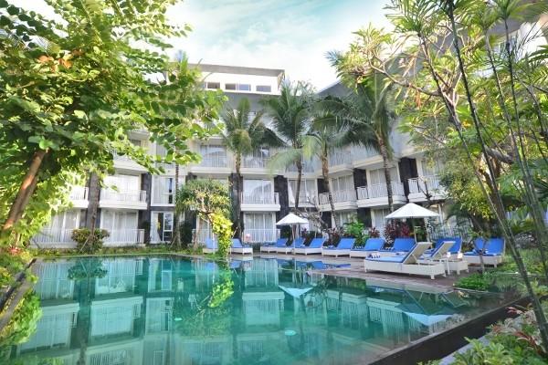 Piscine - Combiné hôtels Balnéaire à Kuta à l'hôtel Fontana + The Ubud Village Hotel 4* Denpasar Bali
