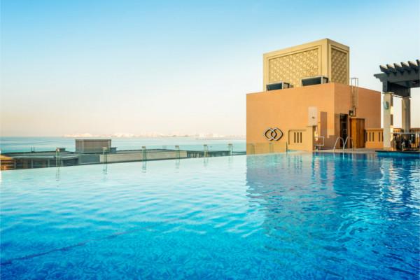Piscine - 2 Iles : Dubaï + Maldives Sofitel Dubaï Jumeirah Beach 5* + Sun Island Resort & Spa
