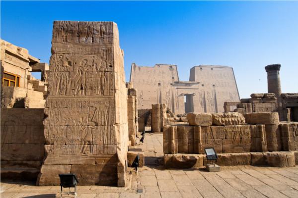 Monument - Croisière Sur le Nil en tout inclus avec excursions et séjour à l'hôtel Coral Sun Beach 4* Louxor Egypte