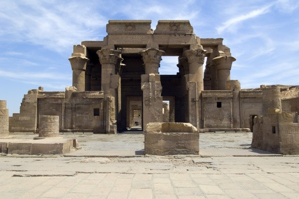 temple aswan