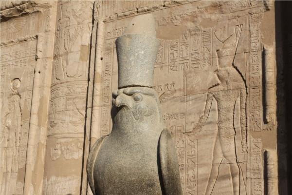 Monument - Croisière Sur le Nil sans excursions et séjour à l'hôtel Palm Beach 4* Louxor Egypte