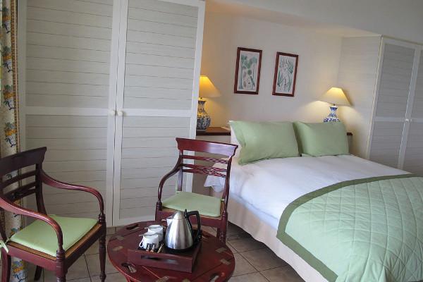 Chambre - Combiné hôtels 2 îles - Guadeloupe et Martinique : Auberge de la Vieille Tour et Bakoua 4* Pointe A Pitre Guadeloupe