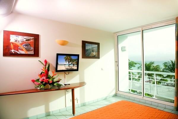 Chambre - Combiné hôtels 3 îles - Guadeloupe + Sainte Lucie + Martinique : Karibéa Le Clipper 3*, Ti Kaye Resort & Spa 4*, Karibéa Amandiers 3* Pointe A Pitre Guadeloupe