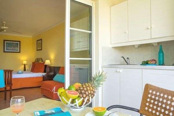 Chambre - Combiné hôtels Pierre et Vacances : Guadeloupe et Martinique (studio 2 personnes) 3* Pointe A Pitre Guadeloupe