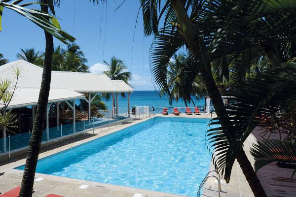 Piscine - Combiné hôtels 2 îles - Guadeloupe et Martinique : Auberge de la Vieille Tour et Bakoua 4* Pointe A Pitre Guadeloupe