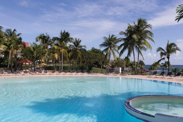 Piscine - Combiné hôtels 2 îles - Village-Club Pierre & Vacances Sainte-Anne Guadeloupe + Village-Club Pierre & Vacances Sainte Luce Martinique 3* Pointe A Pitre Guadeloupe