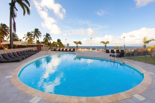 Le Gosier - piscine - 2 îles: Guadeloupe et Martinique: Salako & Amyris
