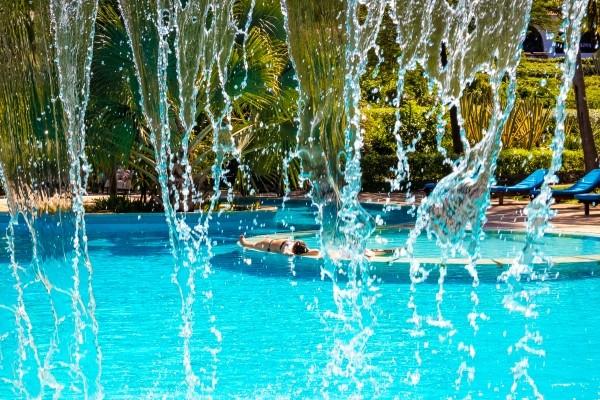 Piscine - Hôtel Combiné Séjour Diani Sea Resort / Safari Tsavo-Amboseli 4* Mombasa Kenya