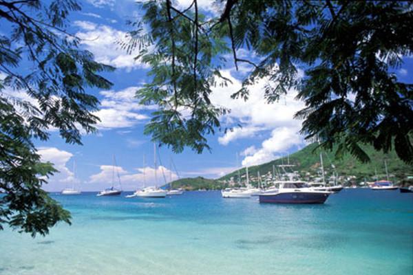 Bateau - Combiné croisière et hôtel Croisière Grenadines + Sejour à la Résidence Diamant Beach 2* Fort De France Martinique