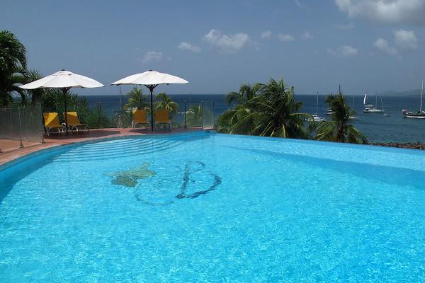 Piscine - Combiné hôtels 2 îles - Martinique et Guadeloupe : Bakoua et Auberge De La Vieille Tour 4* Fort De France Martinique
