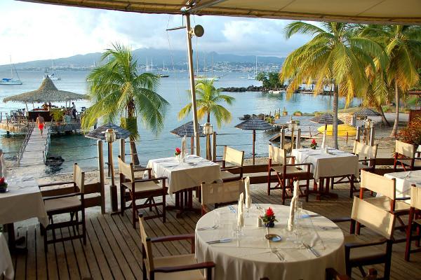 Restaurant - Combiné hôtels 2 îles - Martinique et Guadeloupe : Bakoua et Auberge De La Vieille Tour 4* Fort De France Martinique