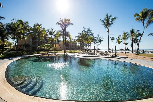 Piscine - Combiné hôtels 2 Îles Réunion + Maurice (12 nuits) : Le Saint Alexis & Outrigger Mauritius Beach Resort Saint Denis Reunion