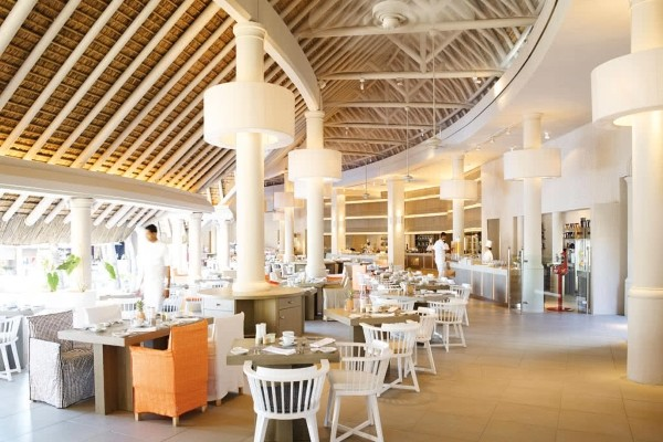 Restaurant - Combiné hôtels 2 Îles Réunion + Maurice (12 nuits) : Lux* Saint Gilles & Lux* Belle Mare 5* Saint Denis Reunion