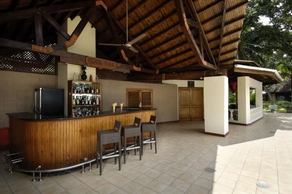 Bar - Combiné hôtels 3 îles - Berjaya Praslin & Patatran & Berjaya Beauvallon 3* Mahe Seychelles