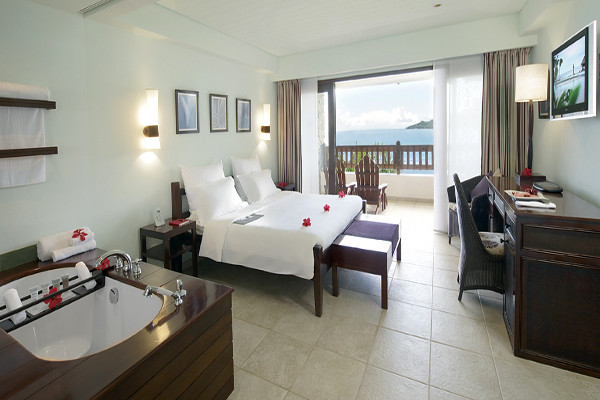 Chambre - Combiné hôtels 2 îles Mahé et Praslin : Le Méridien Fisherman's Cove + Acajou Mahe Seychelles