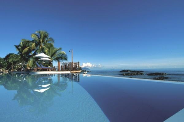 Piscine - Combiné hôtels 2 iles : Mahé et Praslin : Hôtels Le Méridien Fisherman's Cove et Coco de Mer & Black Parrot Suites Mahe Seychelles