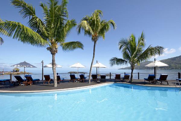 Piscine - Combiné hôtels 2 îles Mahé et Praslin : Le Méridien Fisherman's Cove + Acajou Mahe Seychelles
