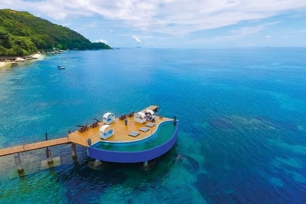 Plage Hôtel Coco de Mer & Black Parrot Suites - 2 Iles : Hôtel Coco De Mer & Black Parrot Suites + Cerf Island Resort