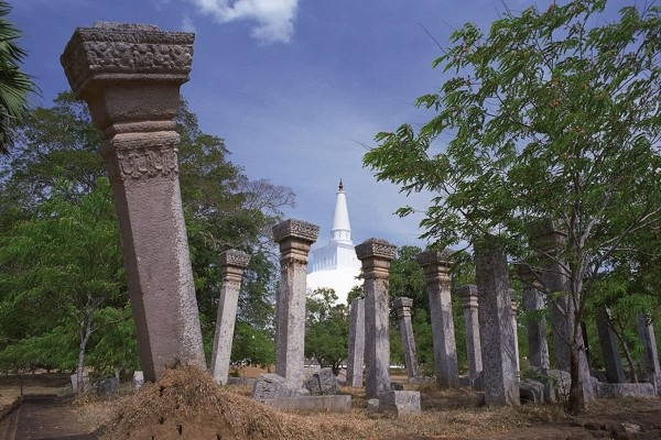 Monument - Combiné circuit et hôtel L'Île Merveilleuse 4* & 5* extension à l'hôtel Maalu Maalu Resort Colombo Sri Lanka