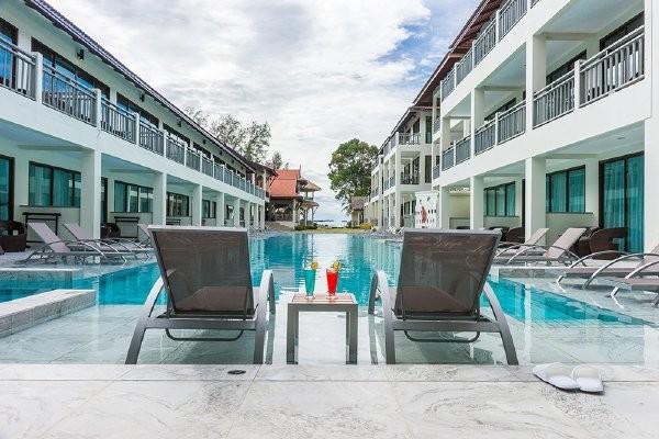 Piscine - Combiné hôtels - Bangkok aux plages de Khao Lak en 12 nuits 4*