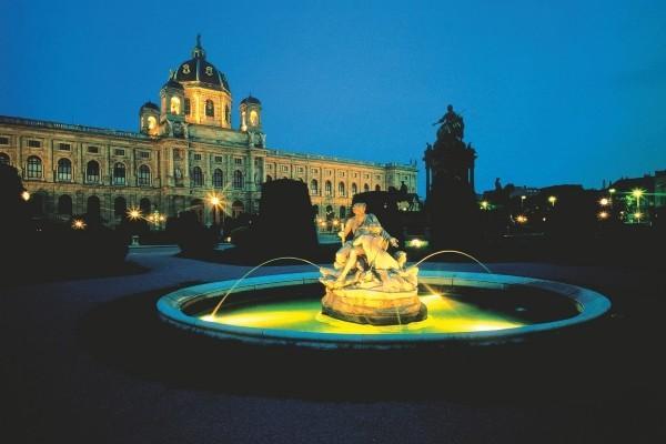 Monument - Croisière Au Fil du Danube Vienne Autriche