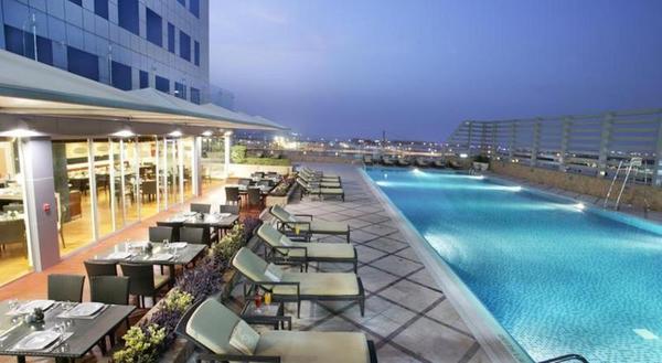 Piscine - Fraser Suites 4* Dubai Dubai et les Emirats