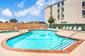 Etats-Unis-Los Angeles, Hôtel Days Inn & Suites Fullerton