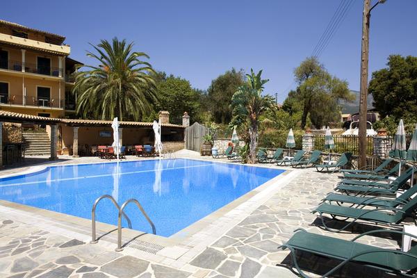 Piscine - Villa Yannis Hotel Apartments & Suites 4* Corfou Grece