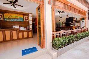 Vacances Hotel Panomporn Patong Place