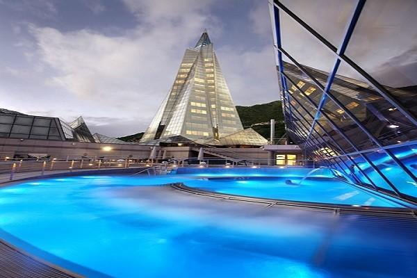 PISCINE EXTERIEURE - Plaza Andorra ou Holiday Inn