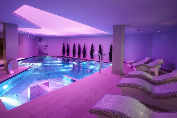 H tel plaza spa andorre la vieille france andorre ecotour for Location hotel france derniere minute