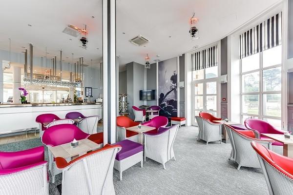 Bar - Hôtel Alliance Pornic Resort Thalasso et Spa - Vue Patio 4* Pornic France Cote Atlantique
