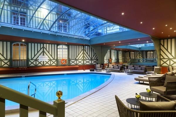 (fictif) - Hôtel Barrière le Normandy 5* Deauville France Normandie