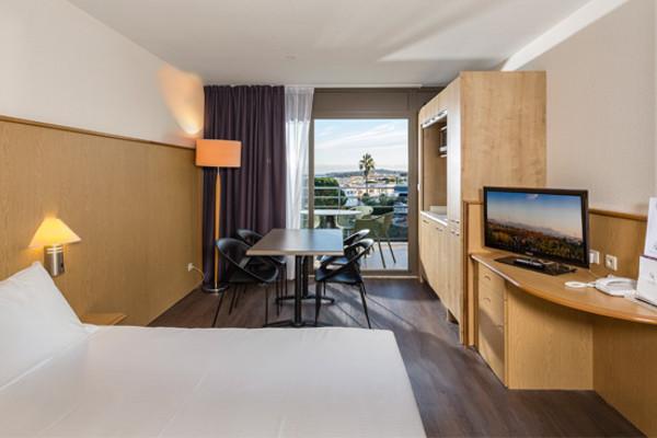 Chambre - Hôtel Thalazur Baie des Anges 4* Antibes France Provence-Cote d Azur