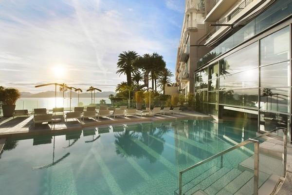 (fictif) - Hôtel Radisson Blu 1835 Hôtel & Thalasso Cannes 5* Cannes France Provence-Cote d Azur