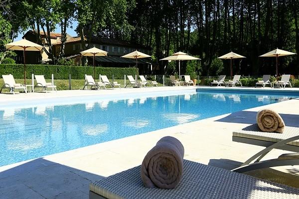 Piscine - Hôtel Le Moulin de Vernegues 4* Marseille France Provence-Cote d Azur