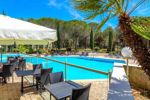 Piscine - Hôtel Garrigae Domaine de l'Esterel 3* Saint Raphael France Provence-Cote d Azur