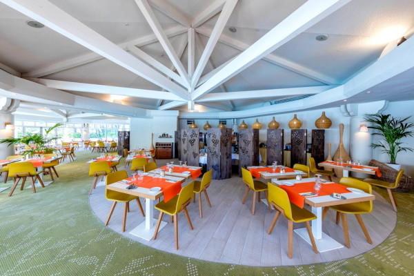 Restaurant - Hôtel Garrigae Domaine de l'Esterel 3* Saint Raphael France Provence-Cote d Azur