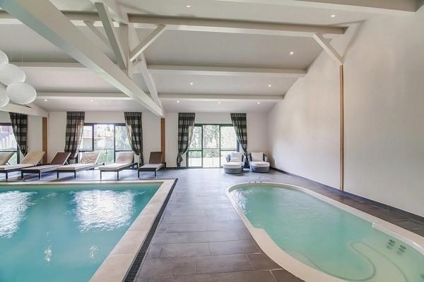 Piscine - Hôtel Le Vallon de Valrugues & Spa 5* Saint Remy De Provence France Provence-Cote d Azur