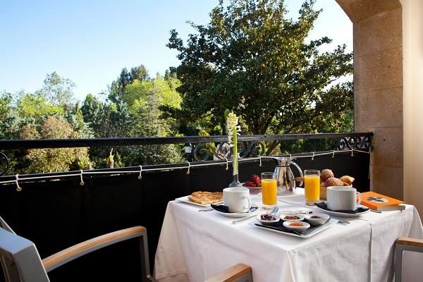 Restaurant - Hôtel Le Vallon de Valrugues & Spa 5* Saint Remy De Provence France Provence-Cote d Azur
