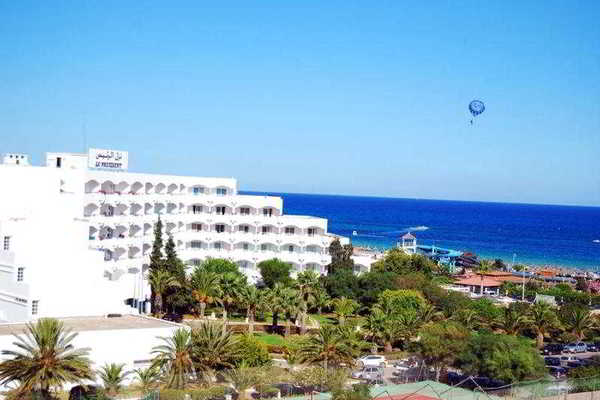 Facade - Le President 3* Tunis Tunisie