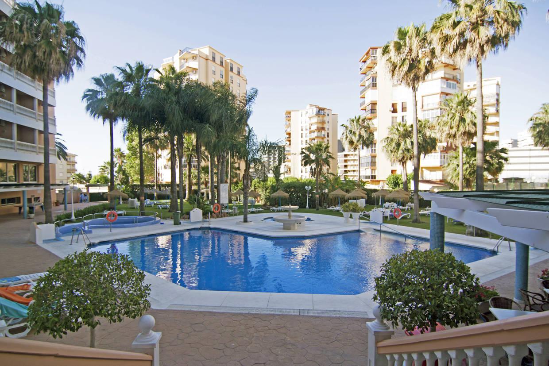 Piscine - Hôtel Parasol Garden 3* Malaga Andalousie