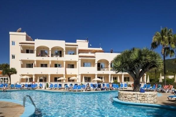 h tel hotel invisa figueral resort bal ares ibiza partir pas cher. Black Bedroom Furniture Sets. Home Design Ideas