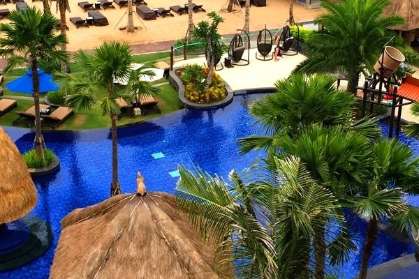 Piscine - Holiday Inn Benoa 5*