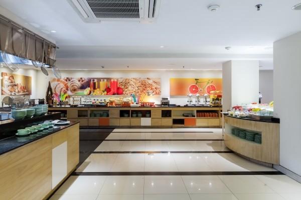 Restaurant - Harris Hotel Seminyak 4* Denpasar Bali