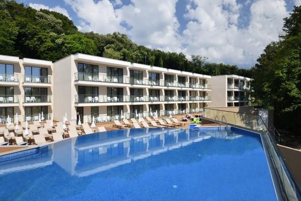Piscine - Hôtel Adult Only Foresta 3* Varna Bulgarie